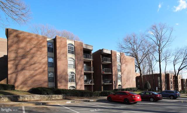 3302 Woodburn Village Drive #12, ANNANDALE, VA 22003 (#VAFX1099312) :: Homes to Heart Group