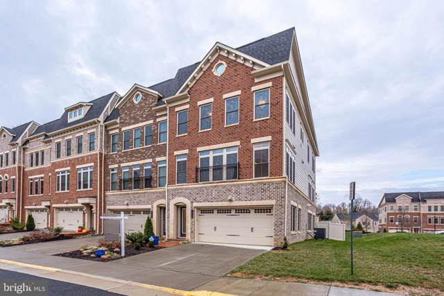 7220 Magpie Lane, FALLS CHURCH, VA 22043 (#VAFX1099860) :: The Greg Wells Team
