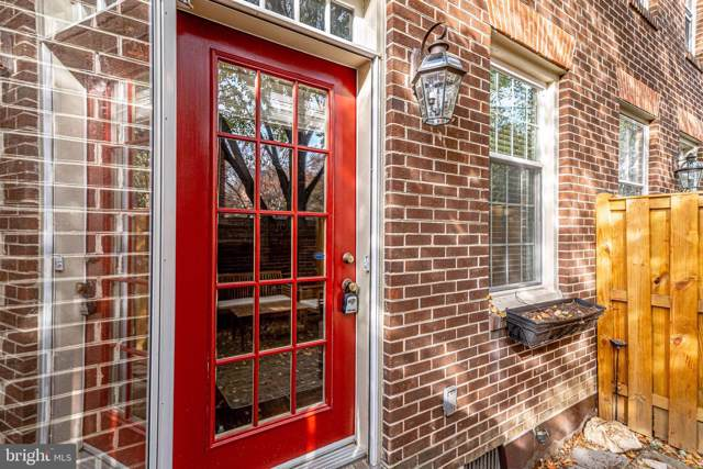 661 S Columbus Street, ALEXANDRIA, VA 22314 (#VAAX241572) :: Colgan Real Estate