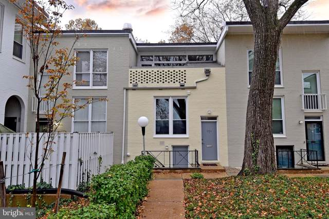 54 G Street SW #113, WASHINGTON, DC 20024 (#DCDC450618) :: John Smith Real Estate Group