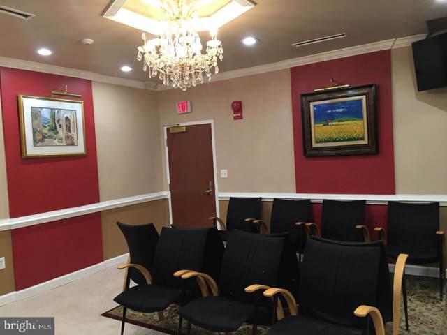 3301 Woodburn Road #4, ANNANDALE, VA 22003 (#VAFX1101374) :: Homes to Heart Group