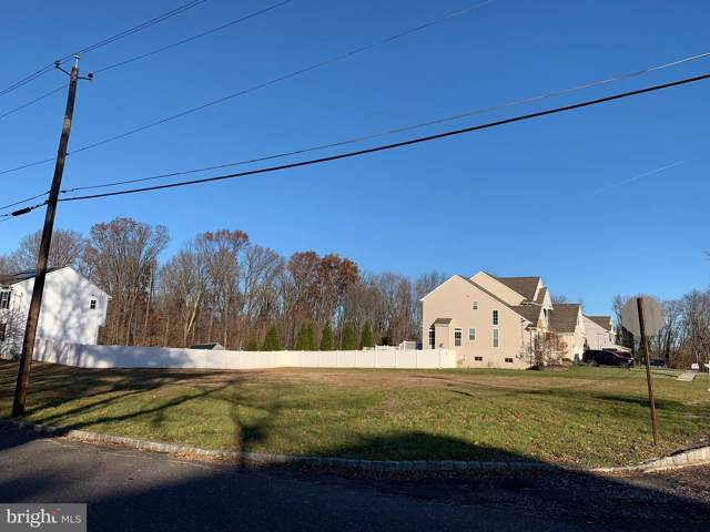 811 Camden Avenue, BLACKWOOD, NJ 08012 (#NJCD382350) :: Viva the Life Properties