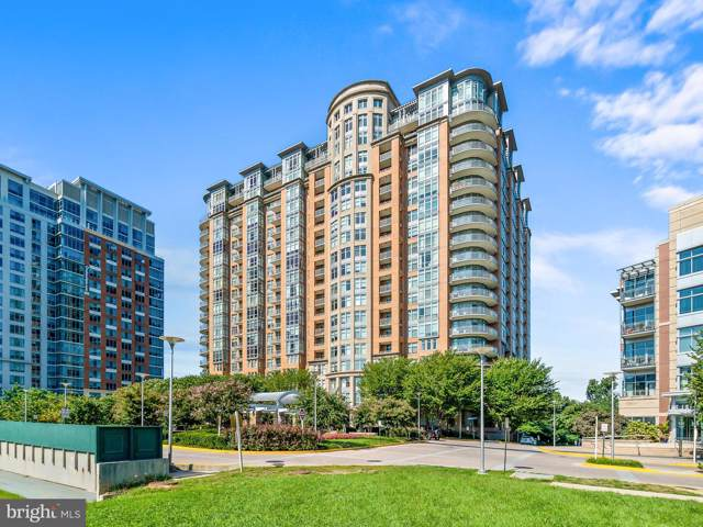 8220 Crestwood Heights Drive #511, MCLEAN, VA 22102 (#VAFX1101768) :: Homes to Heart Group