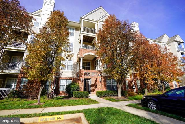 3009 Nicosh Circle #4207, FALLS CHURCH, VA 22042 (#VAFX1101802) :: Bic DeCaro & Associates