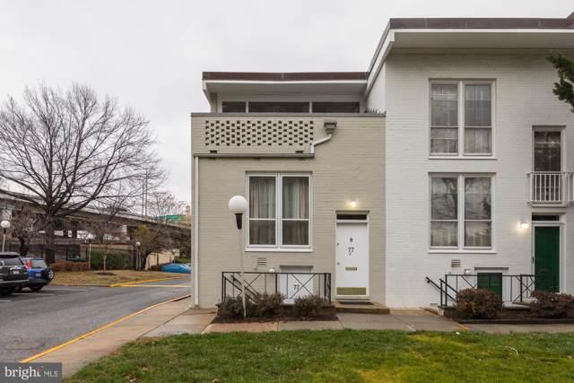 77 G Street SW #101, WASHINGTON, DC 20024 (#DCDC452358) :: LoCoMusings