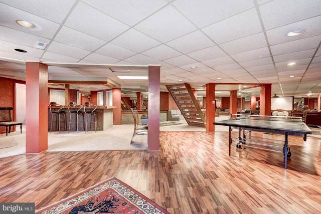 8613 Chateau Drive, POTOMAC, MD 20854 (#MDMC691158) :: Viva the Life Properties