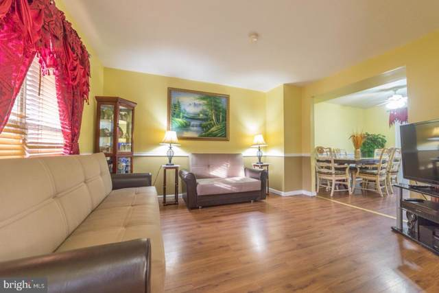 12846 Kitchen House Way, GERMANTOWN, MD 20874 (#MDMC691742) :: The Vashist Group