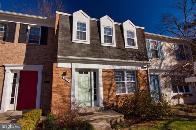 5755 Heritage Hill Drive, ALEXANDRIA, VA 22310 (#VAFX1105954) :: Bic DeCaro & Associates