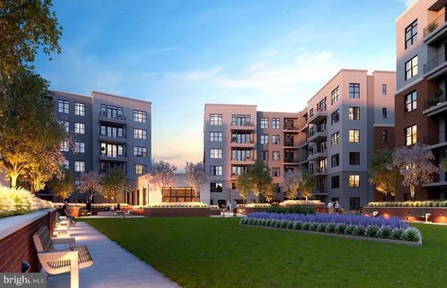 9555 Saintsbury Drive #40703, FAIRFAX, VA 22031 (#VAFX1106036) :: Colgan Real Estate