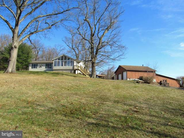 110 Potato Hill Street, HEDGESVILLE, WV 25427 (#WVBE174082) :: Blackwell Real Estate