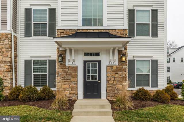 7371 Riding Meadow Way, MANASSAS, VA 20111 (#VAPW485594) :: The Daniel Register Group