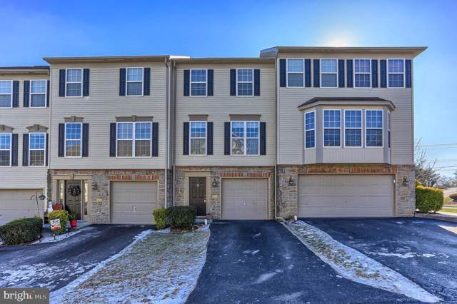 2702 Hunt Club Drive, YORK, PA 17402 (#PAYK131910) :: Iron Valley Real Estate