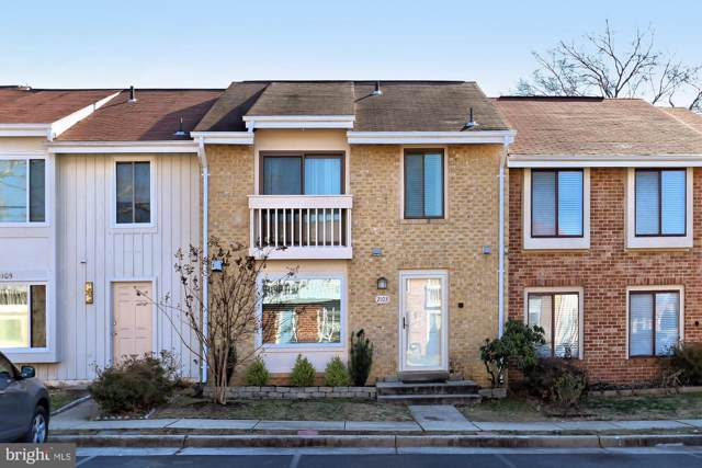 2103 Berger Place, HERNDON, VA 20170 (#VAFX1107622) :: Lucido Agency of Keller Williams