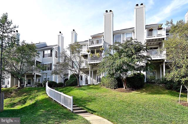 2911-B S Woodley Street, ARLINGTON, VA 22206 (#VAAR158614) :: Bic DeCaro & Associates