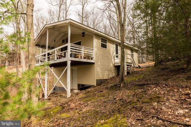 36 Ichabod Hollow, HEDGESVILLE, WV 25427 (#WVBE174454) :: The Vashist Group