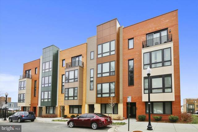 110 S Pickett Street #102, ALEXANDRIA, VA 22304 (#VAAX243236) :: Cristina Dougherty & Associates