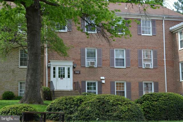 742 Quince Orchard Boulevard #202, GAITHERSBURG, MD 20878 (#MDMC694492) :: AJ Team Realty