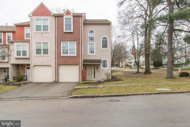 27 Forsythia Court, LAFAYETTE HILL, PA 19444 (#PAMC638020) :: Viva the Life Properties