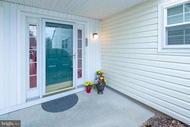 102 Briarcliff Court, GLEN MILLS, PA 19342 (#PADE508686) :: Linda Dale Real Estate Experts