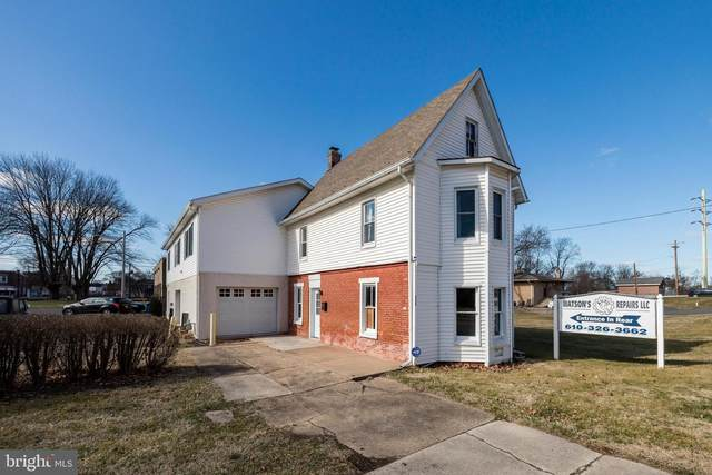 225 S Hanover Street, POTTSTOWN, PA 19465 (#PACT498450) :: Pearson Smith Realty