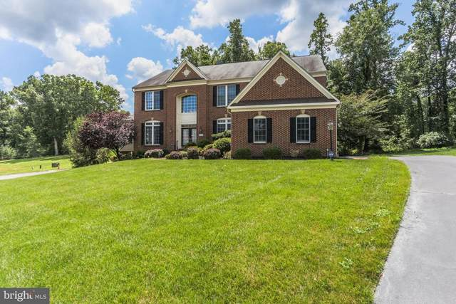 11263 Derosnec Drive, OAKTON, VA 22124 (#VAFX1110530) :: Debbie Dogrul Associates - Long and Foster Real Estate
