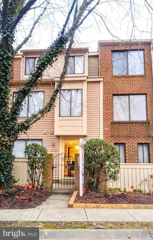 18708 Nathans Place, MONTGOMERY VILLAGE, MD 20886 (#MDMC696090) :: Blackwell Real Estate