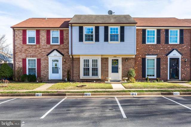 5933 Grisby House Court, CENTREVILLE, VA 20120 (#VAFX1112404) :: The Putnam Group