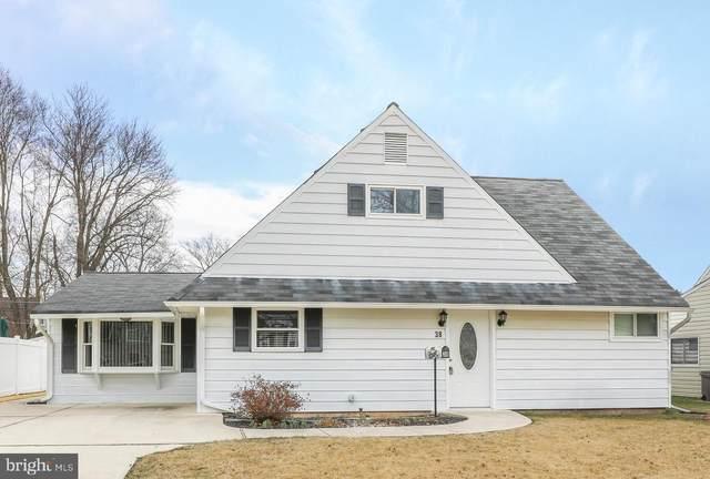 38 Nutmeg Lane, LEVITTOWN, PA 19054 (#PABU490214) :: Blackwell Real Estate