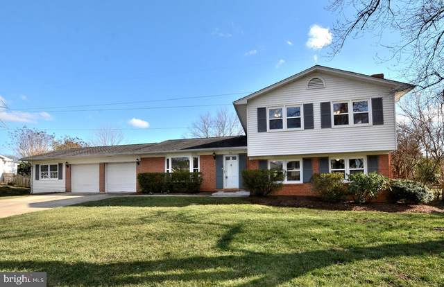 915 Westwood Drive NE, VIENNA, VA 22180 (#VAFX1112746) :: The MD Home Team