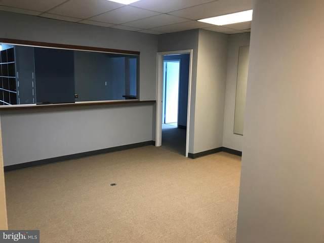 2616 Sherwood Hall Lane #402, ALEXANDRIA, VA 22306 (#VAFX1112756) :: Jacobs & Co. Real Estate