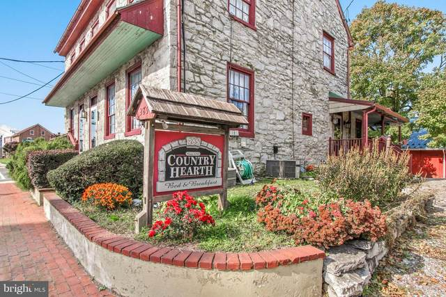 285 W Main Street, NEW HOLLAND, PA 17557 (#PALA159550) :: The Heather Neidlinger Team With Berkshire Hathaway HomeServices Homesale Realty