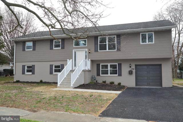 1780 Eastern Boulevard, YORK, PA 17402 (#PAYK134518) :: Century 21 Dale Realty Co