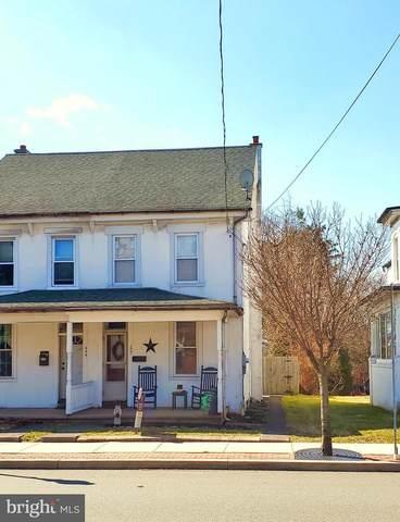 207 Main Street, PENNSBURG, PA 18073 (#PAMC641846) :: Erik Hoferer & Associates