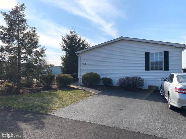 201 Sunningdale Ct N, LANCASTER, PA 17603 (#PALA160050) :: The Joy Daniels Real Estate Group