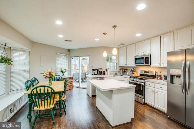 8839 Stable Forest Place, BRISTOW, VA 20136 (#VAPW489764) :: Larson Fine Properties