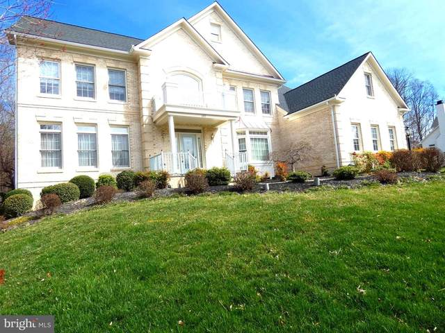 6431 Lake Meadow Drive, BURKE, VA 22015 (#VAFX1116588) :: Mortensen Team