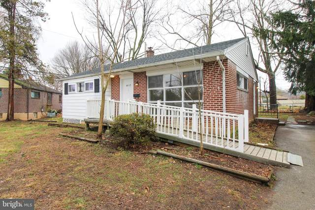 4413 W West Chester Drive, ASTON, PA 19014 (#PADE515970) :: Bob Lucido Team of Keller Williams Integrity