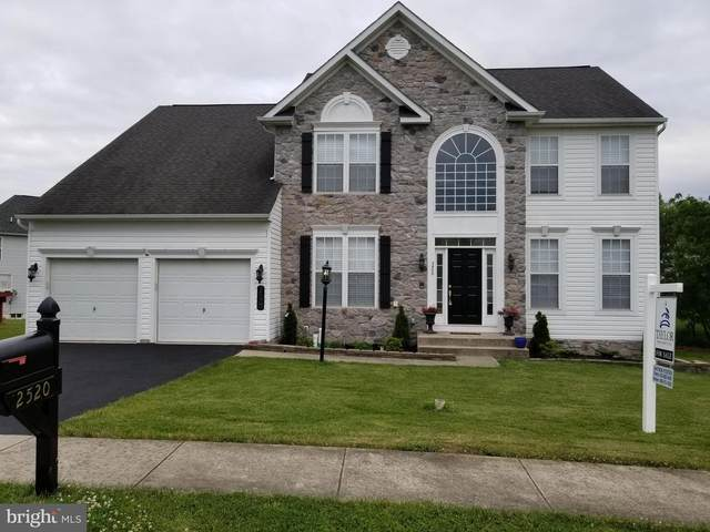 2520 Carriage Lane, DOVER, PA 17315 (#PAYK135564) :: CENTURY 21 Core Partners