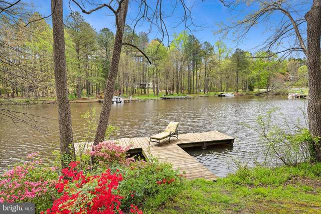 446 Lake Caroline Drive, RUTHER GLEN, VA 22546 (#VACV121884) :: Bob Lucido Team of Keller Williams Integrity