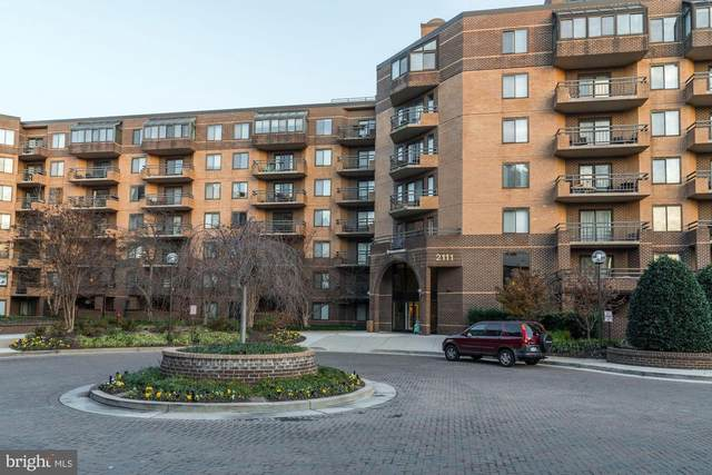 2111 NW Wisconsin Avenue NW #301, WASHINGTON, DC 20007 (#DCDC464026) :: The Miller Team