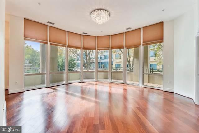 8220 Crestwood Heights Drive #107, MCLEAN, VA 22102 (#VAFX1120674) :: Great Falls Great Homes