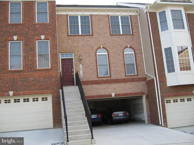12716 Ginger Wood Lane, CLARKSBURG, MD 20871 (#MDMC702466) :: Dart Homes