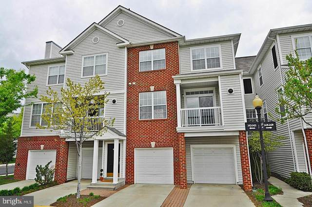2427 Coopers Branch Court, HERNDON, VA 20171 (#VAFX1120852) :: The Greg Wells Team