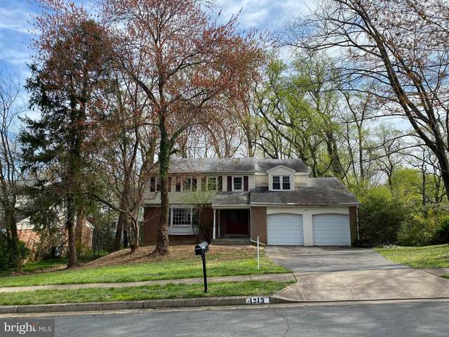 1213 Forestwood Drive, MCLEAN, VA 22101 (#VAFX1120994) :: The Greg Wells Team
