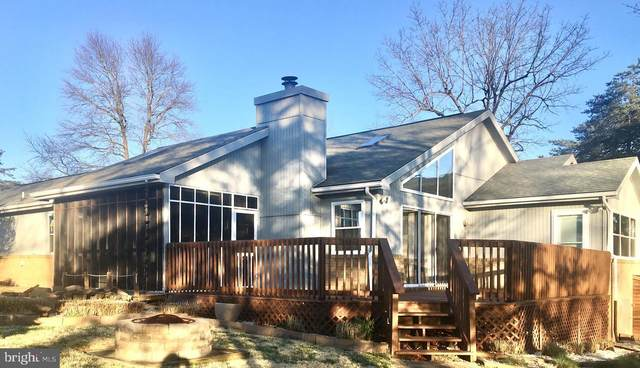 36 The Woods Rd, HEDGESVILLE, WV 25427 (#WVBE176174) :: Pearson Smith Realty