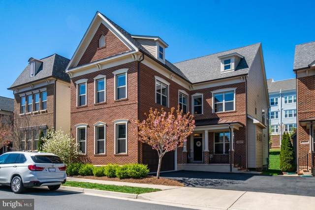 20607 Holyoke Drive, ASHBURN, VA 20147 (#VALO407810) :: The Vashist Group