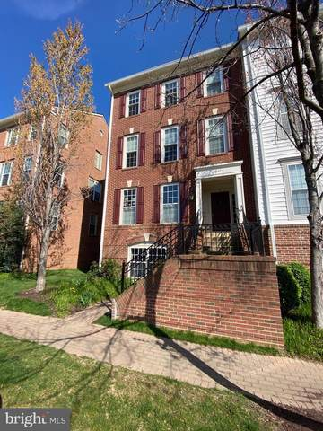 1607-B Potomac Greens Drive, ALEXANDRIA, VA 22314 (#VAAX245192) :: Coleman & Associates
