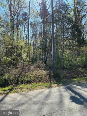 12800 Lake Wilderness Lane, SPOTSYLVANIA, VA 22551 (#VASP220988) :: Dart Homes