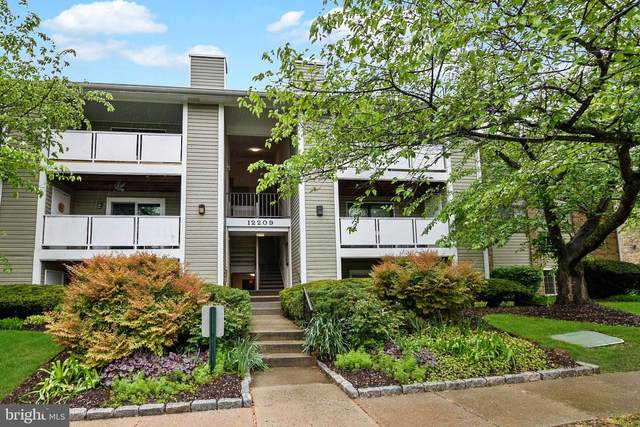 12209 Peach Crest Drive 903-F, GERMANTOWN, MD 20874 (#MDMC705746) :: The Licata Group/Keller Williams Realty