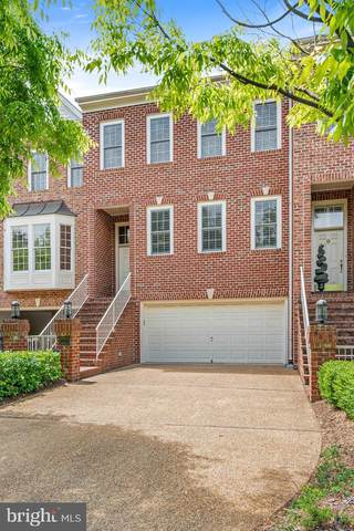 8006 Kamehameha Place, GAINESVILLE, VA 20155 (#VAPW494392) :: Network Realty Group